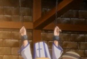 天井から鎖で拘束され‥女神官すらもご覧の通り!! 女は全てレイプされてしまうという屈辱 どんな身分だろうが膣穴として蔑まれる