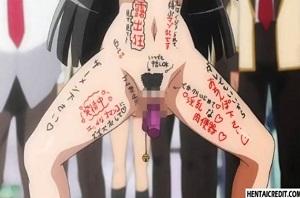 全裸で落書きされてクラスメイトの生徒の前に!!!クスリ漬けのヤバい女が禁断症状出てこんな行為だって喜んでやってしまうというヤバすぎる事態に唖然‥